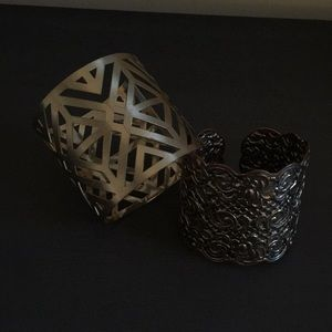 Set of two gold cuff bracelets